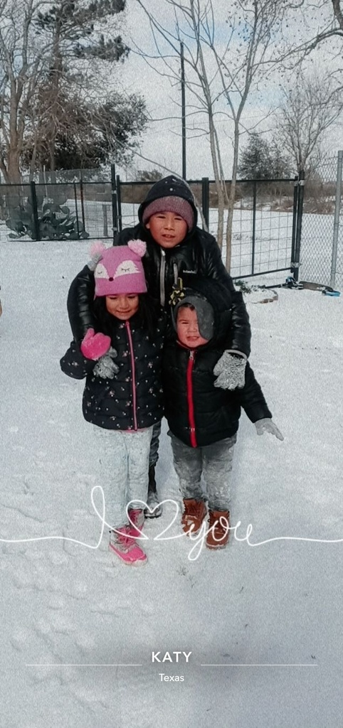 Fun in the snow with the Garza family!