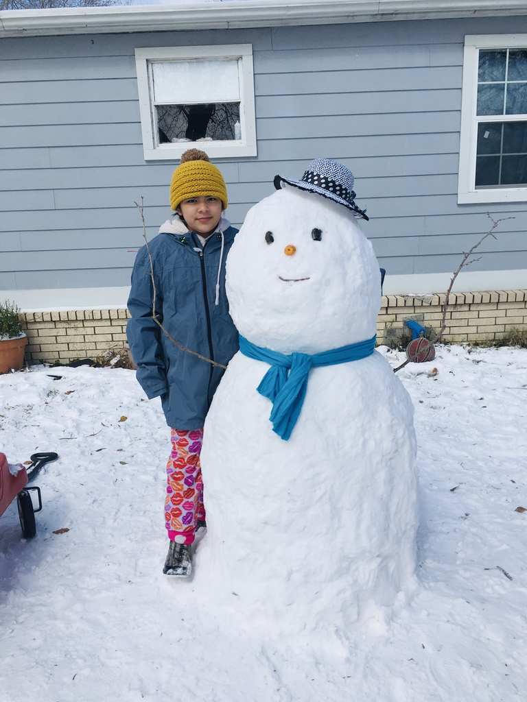 Brrr! Snow pictures from the Jackovich and Garcia families!