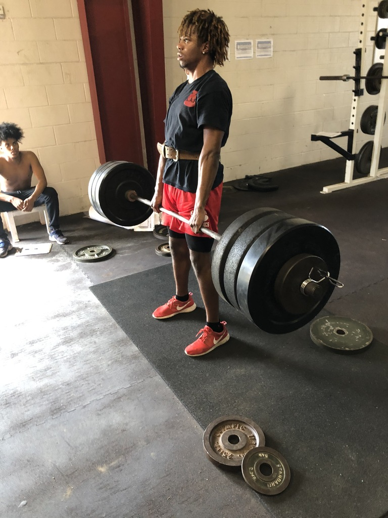 Shout out to RHS power lifter Kobe Lewis with a deadlift of 355 lbs. 2x at the end of his workout!  Putting in the work!